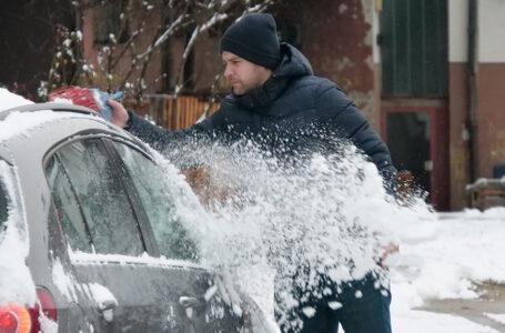 Čistači snijega na ulicama Viteza