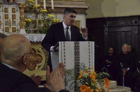 Milanović jedini držao govor s oltara