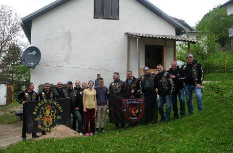 Travnički bajkeri sakupili novac za kuću siromašnoj obitelji Karač iz sela Has kod Novoga Travnika