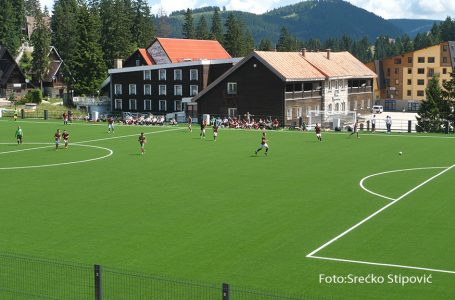Odigrana prva nogometna utakmica na novom vlašičkom stadionu