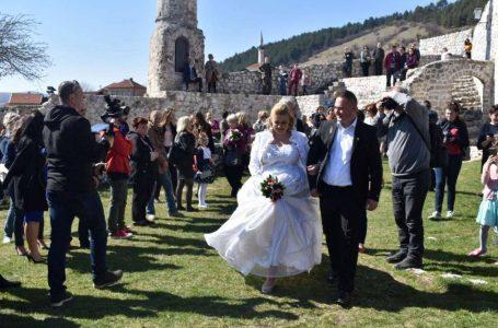 Poziv parovima iz cijele BiH:Nesvakidašnje i jedinstveno vjenčanje